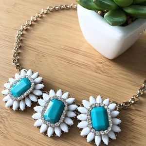 2/$25 Daisy inspired turquoise stone necklace